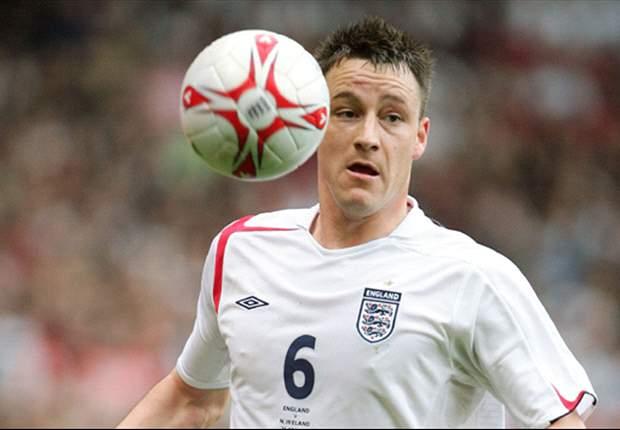 Klarer Sieg mit Schönheitsfehler: Englands Terry verdreht sich in Moldawien den Knöchel