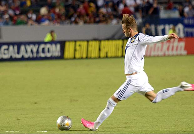 Goal of the Week: David Beckham free-kick shows the Brazilians how it is done
