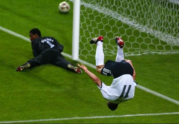 Miroslav Klose Ogah Selebrasi Salto Lagi