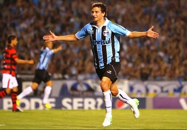 Jogadores do Grêmio elogiam novo contratado Eduardo Vargas
