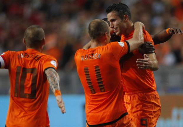 Netherlands 2-0 Turkey: Van Persie and Narsingh seal Oranje victory