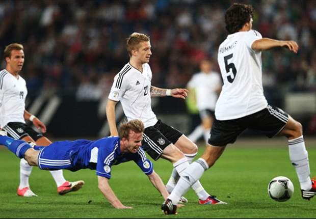 Deutschland gegen Frankreich: Höwedes startet hinten links!
