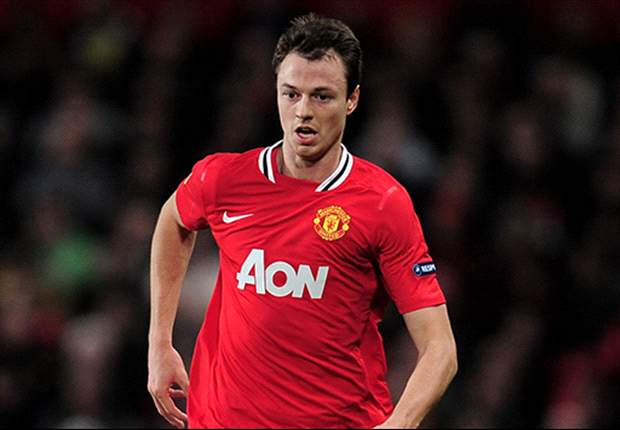 Manchester United must find a balance between attack & defence to beat City, says Evans