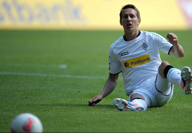 Gladbach's Luuk de Jong doubtful for Dortmund clash