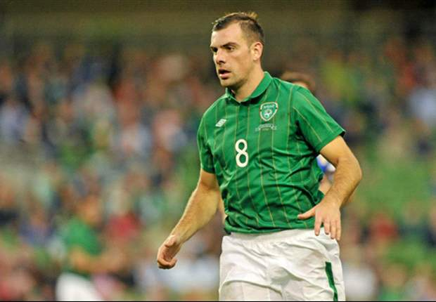 Darron Gibson declines Ireland call-up to replace David Meyler