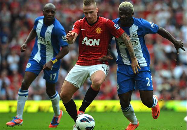 Manchester United 4-0 Wigan: Debut delight for Powell and Buttner caps landmark day for Scholes