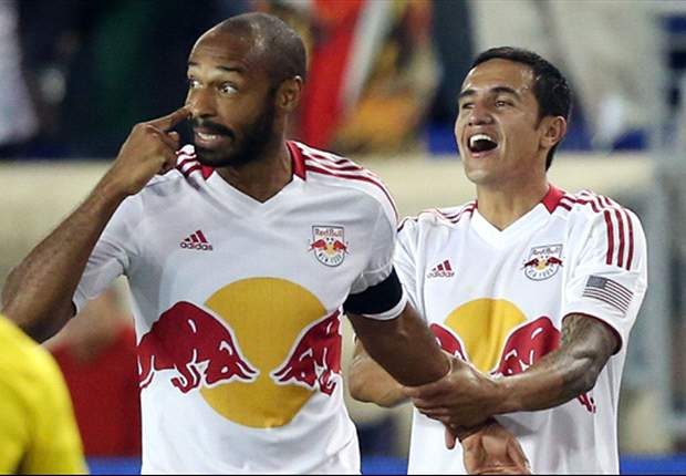 Thierry Henry scores direct from a corner - all the MLS goals and action