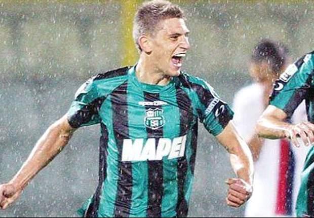Berardi, 18 anni e un intrigo internazionale: sul gioiello del Sassuolo è bagarre, dai 7 milioni del Borussia alle spallate tra Napoli, Juventus e Chievo (con il Milan)