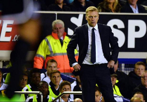 Everton manager Moyes accuses Roberto Martinez of influencing officials