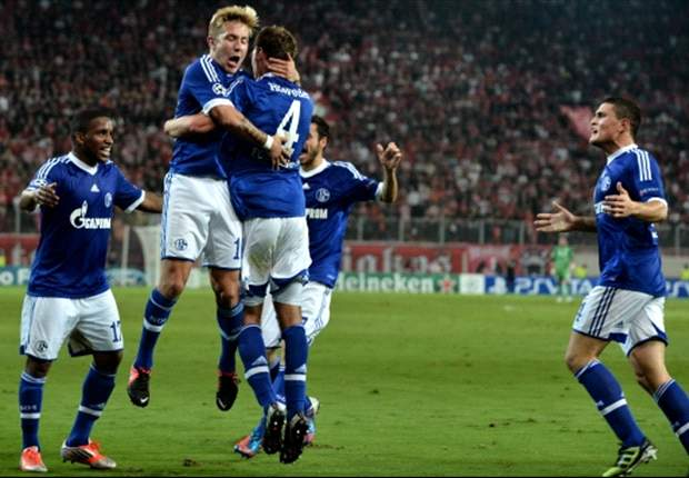 Olympiakos 1-2 Schalke: Huntelaar snatches victory in Greece