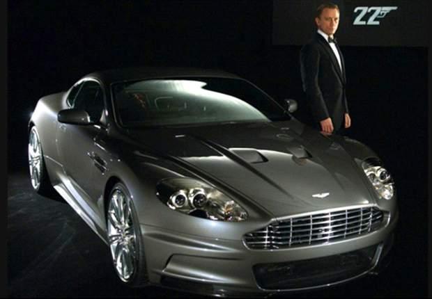Cristiano Ronaldo y David Beckham quieren ser James Bond