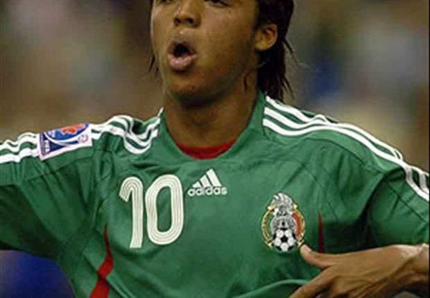 Giovani Dos Santos: Para el Balón de Oro, votaría a Messi, Ronaldo e Iniesta, respectivamente.
