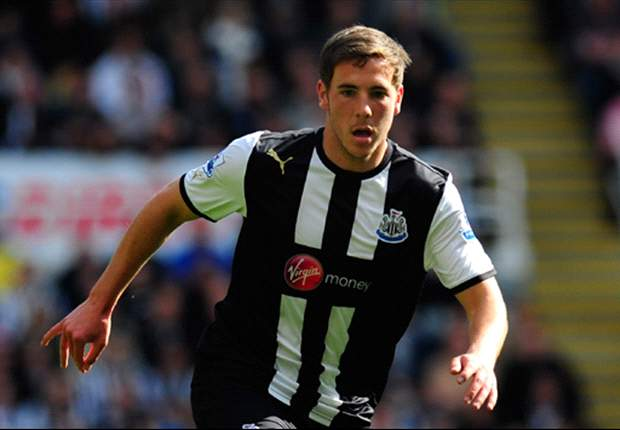 Newcastle midfielder Gosling eyes first-team football after Crystal Palace move stalls