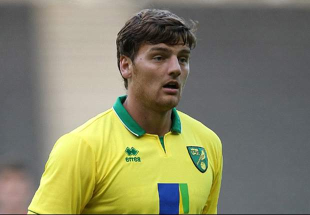 Norwich striker Martin joins Swindon on short-term loan