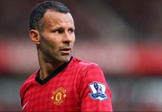 Giggs accepts bit-part role for Manchester United