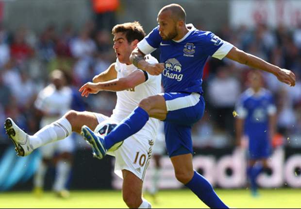 Heitinga demands improvement for Everton fans