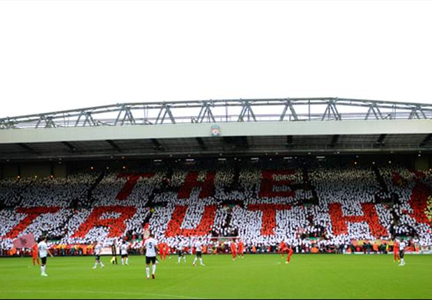 Steven Gerrard praises 'fantastic' Liverpool & Manchester United fans