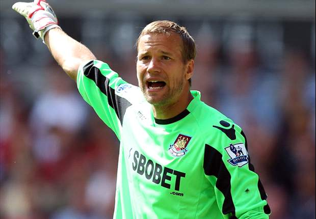 Jaaskelainen triggers one-year extension at West Ham