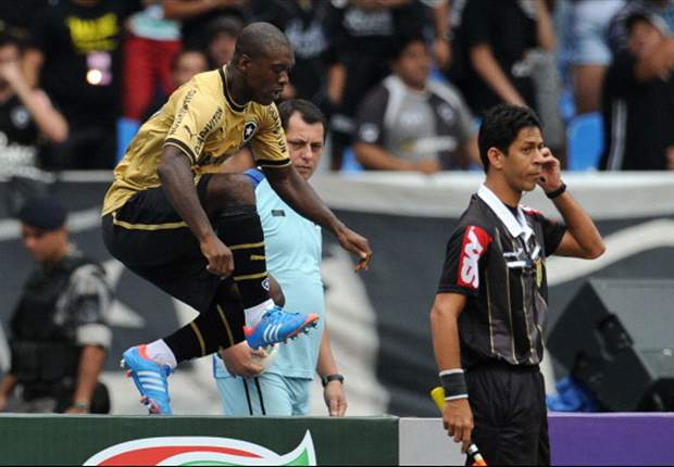 Brasileiro Round 26: Seedorf at the double as Botafogo and Corinthians draw