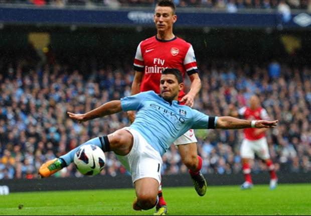 Sergio Agüero se lamenta del empate del Manchester City frente al Arsenal