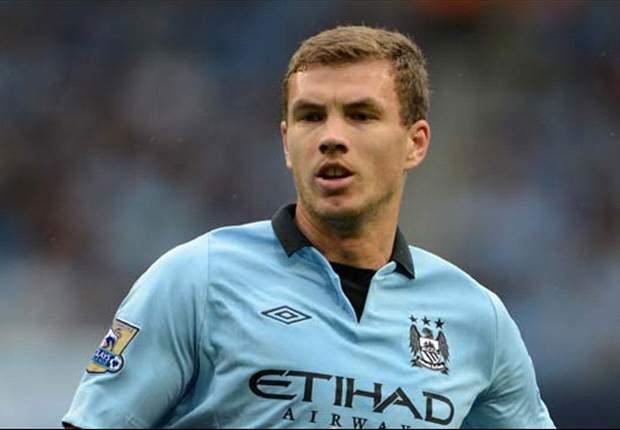 Edin Dzeko Tegaskan Tidak Ingin Tinggalkan Manchester City