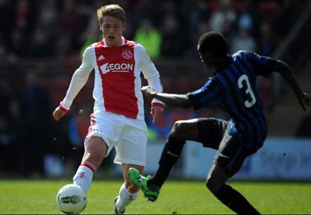 Fischer en Enoh in de basis bij Ajax