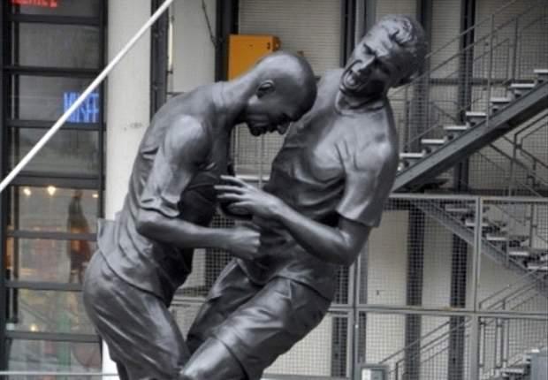 France - Le coup de boule de Zidane en statue