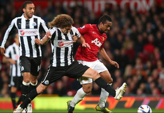 Manchester United 2-1 Newcastle: Anderson & Cleverley strikes see hosts progress