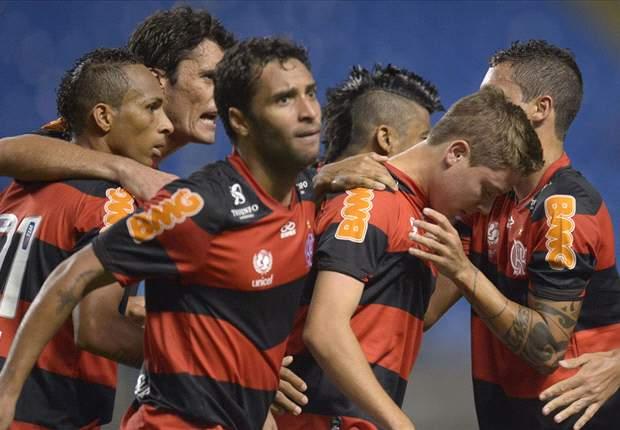 Hernane marca duas vezes e Flamengo começa bem
