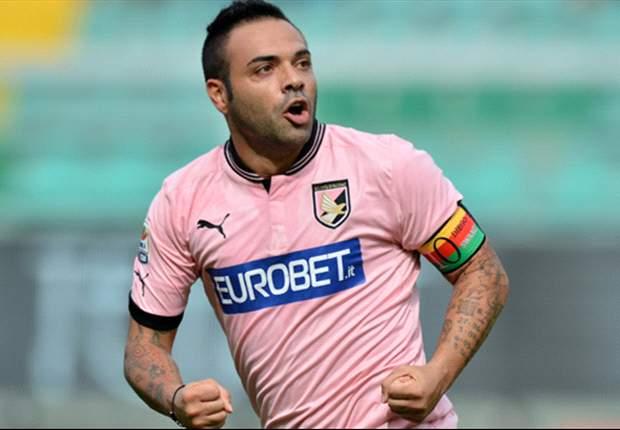 Palermo Ingin Tambah Kontrak Fabrizio Miccoli