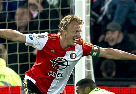 Kuyt turns back the clock at Feyenoord