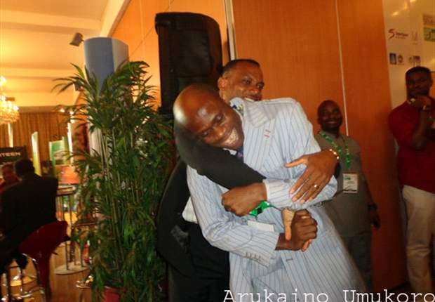 Rare golden moment as Sunday Oliseh and Taribo West reunite