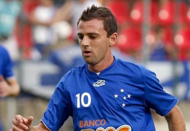 Santos fecha contrato com Montillo e cede Henrique ao Cruzeiro