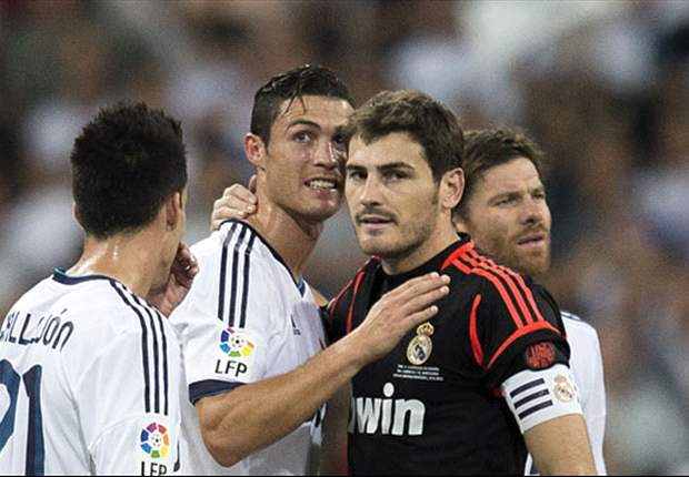 Casillas laughs off 'snitch' accusations