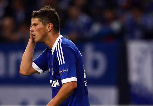 Huntelaar puts Schalke talks on hold