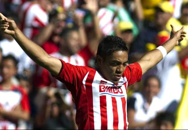 Marco Fabian and Jorge Enriquez staying with Chivas for now