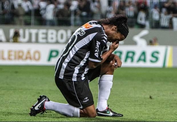 Brasileiro Round 28: Ronaldinho hat-trick keeps Atletico Mineiro's title hopes alive