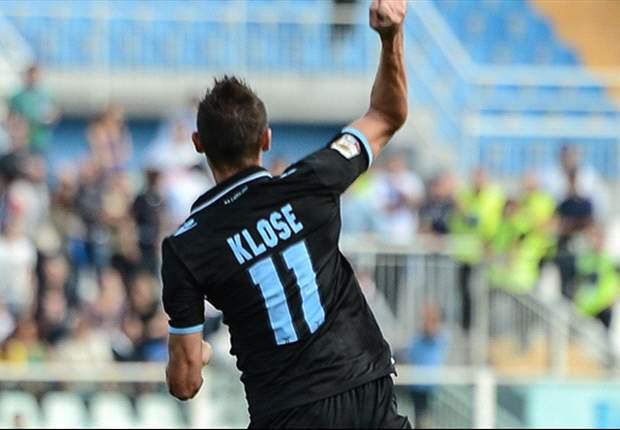 Klose continua a mietere premi per il suo fairplay mostrato contro il Napoli: ma quel 'Cartellino Viola' non viene preso benissimo a Firenze, dove ricordano ancora un certo Ovrebo...
