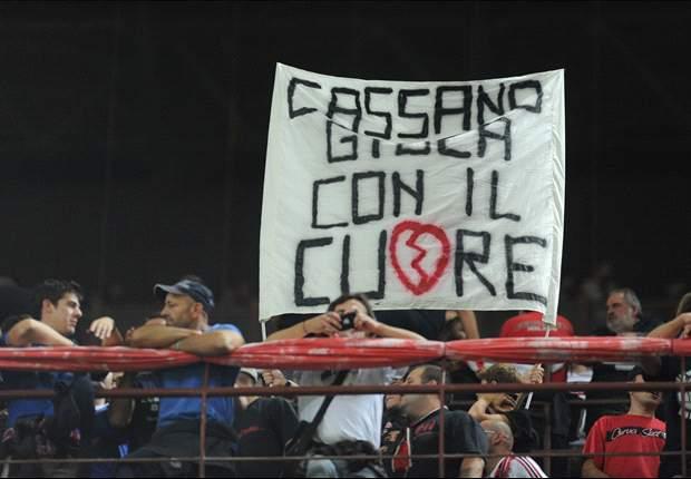Milan-Inter è stato un derby anche sugli spalti, tra sfottò reciproci e fischi rossoneri a Cassano