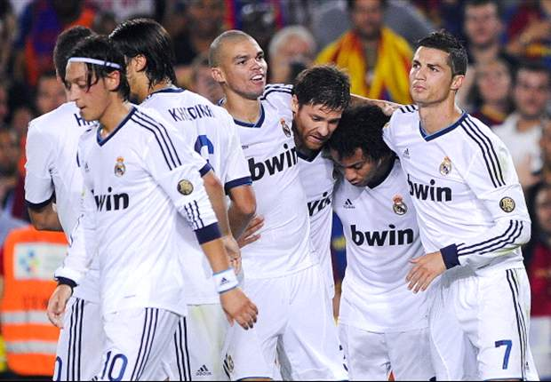 El Real Madrid acaba el año entre niebla