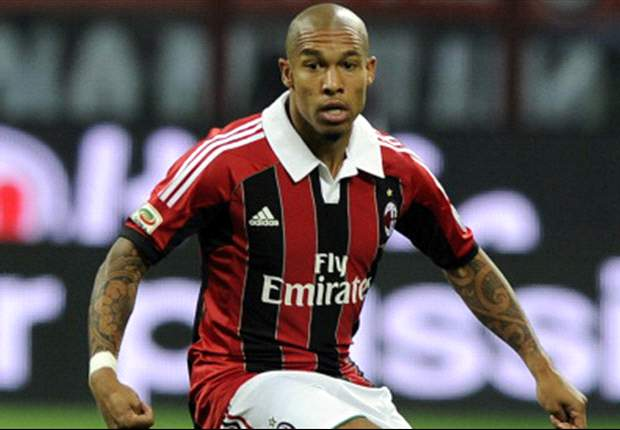 Former Manchester City man De Jong would like to see Balotelli at AC Milan