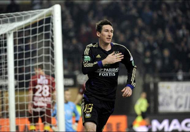 Kljestan scores as part of Anderlecht rout