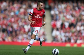 Hodgson to add Arsenal defender Jenkinson to England squad if given FIFA clearance