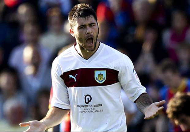 Newcastle and Aston Villa target Austin keen to stay at Burnley