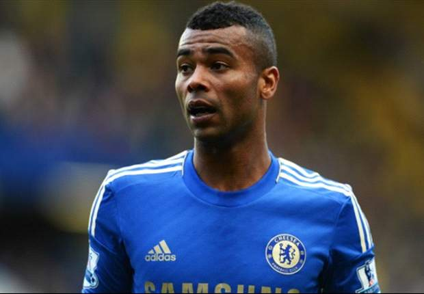 Ashley Cole Resmi Teken Kontrak