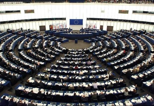 """Sostegno al """"dual career"""": la Commissione Europea vaglierà come concedere maggiori opportunità ai giovani calciatori"""