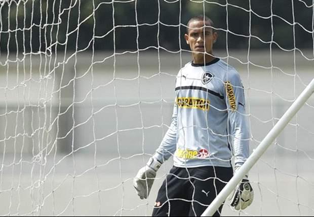 Renan comemora chance no Botafogo
