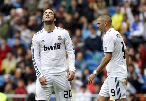 Real Madrid face Benzema & Higuain striker crisis ahead of Manc