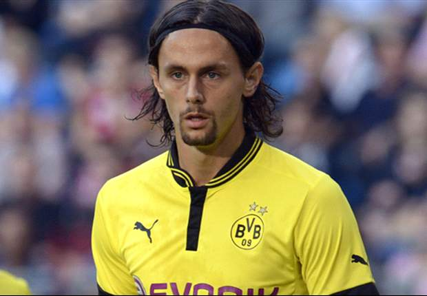 Dortmund defender Subotic out for up to six weeks with hamstring tear