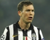 Lichtsteiner vows to fight for Juventus place
